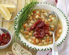 Supa de naut cu rosii uscate. Incalzeste-te delicios! - Andreea Raicu