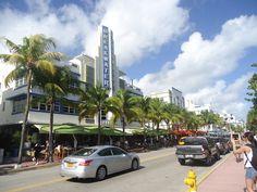 Paseo de día por Ocean Drive Miami Beach - http://www.femeninas.com/ocena-drive-miami-dia/