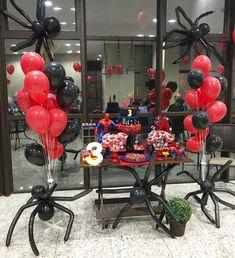 Festa Homem-Aranha: 60 ideias espetaculares e tutoriais para fazer a sua Spiderman Theme Party, Superhero Birthday Party, 4th Birthday Parties, Birthday Balloons, Birthday Party Decorations, 2nd Birthday, Party Themes, Man Party, Miles Morales