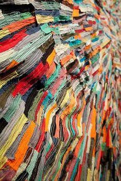 (detail) SplitSpectrum by Andrea Myers 2009 machine sewn fabric collage Art Fibres Textiles, Textile Fiber Art, Textile Artists, Rag Rug Diy, Weaving Loom Diy, Circular Weaving, Boro Stitching, Yarn Wall Art, Design Textile