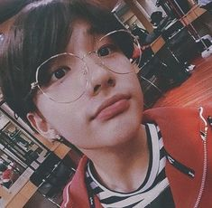 Ulzzang, Kpop, Glasses, Chinos, Bb, Anime, Fashion, Actresses, Wallpapers