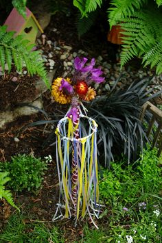 Faery Garden Maypole. I want to make this in full size to add color to my vegetable garden.