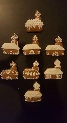 House doodle rumah Gingerbread Cookies, Christmas Cookies, Christmas Cards, Christmas Ornaments, Gingerbread House Designs, Good Food, Yummy Food, Cute Cookies, Cookie Decorating
