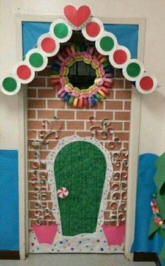 50 Simple DIY Christmas Door Decorations For Home And School Christmas Bulletin Boards, Christmas Classroom Door, Office Christmas, Christmas Diy, Holiday Classrooms, Owl Classroom, Classroom Decor, Christmas Lights, Diy Christmas Door Decorations