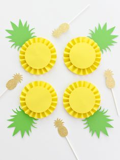 Easy Summer Crafts Ideas for Kids 61 uncategorized Summer Crafts For Kids, Kids Crafts, Diy And Crafts, Craft Projects, Paper Crafts, Paper Rosettes, Paper Flowers, Fruit Birthday, Fruit Party