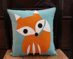 Felt Fox Pillow Cover by maureencracknell on Etsy Fabric Crafts, Sewing Crafts, Sewing Projects, Fox Crafts, Diy And Crafts, Diy Pour Enfants, Fox Pillow, Felt Fox, Fox Decor