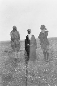 T.E. Lawrence during the Arab Revolt (1916-1918) - Wilson, Lawrence, and Young.