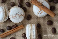 Emmas KakeDesign: Smakfulle makroner med kaffe og kanel! Macaron Recipe, Macarons, Breakfast, Recipes, Food, Morning Coffee, Eten, Recipies, Ripped Recipes