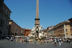 Looking for the perfect passagiata? This is it! The Piazza Navona in Rome is one of my favorite squares in the world.