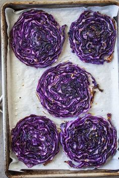 Oven roasted cabbage steaks are one of the easiest yet most visually impactful and tastiest cabbage dishes you'll ever make. Purple Cabbage Recipes, Roasted Cabbage Recipes, Roasted Red Cabbage, Easy Cabbage Recipes, Baked Cabbage, Steak In Oven, Oven Roast, Easy Stuffed Cabbage, Stuffed Fish
