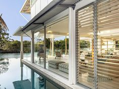 Waterfront Modern Villa For Perfect Summer, Noosa Heads, Australia Modern Coastal, Coastal Living, Living In Adelaide, Modern Pools, Small Places, Coastal Homes, Decoration, Exterior Design, Beautiful Homes