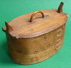 ANTIQUE SCANDINAVIAN NORWEGIAN FOLK ART BENTWOOD BOX c 1880 - 1900