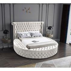 King Beds, Queen Beds, Recamaras King Size, Circle Bed, Meridian Furniture, Round Beds, Types Of Beds, Adjustable Beds, Bedroom Decor