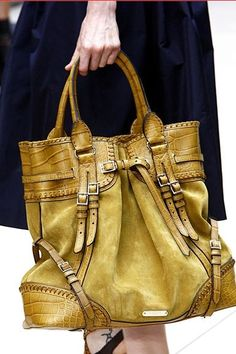 Burberry handbag!! Christmas please!!!