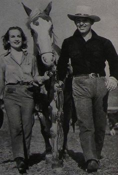 Carole Lombard hanging out with Clark and their animals is my favorite Carole Lombard
