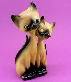 Siamese Cats Figurine Vintage c. 1950 by jollypollypickins, via Flickr