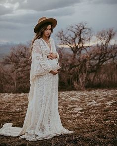 Country Maternity Photography, Sunset Maternity Photos, Fall Maternity Pictures, Maternity Photo Outfits, Outdoor Maternity Photos, Family Maternity Photos, Maternity Dresses, Western Maternity, Pregnancy Wardrobe