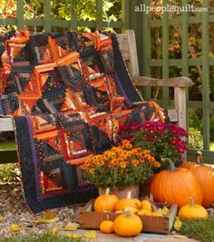 Turn your home into a haunted house with Halloween quilts featuring novelty prints, fall colors, and spooky motifs. Halloween Candy Crafts, Halloween Quilts, Fall Halloween, Halloween Sewing, Halloween Ideas, Happy Halloween, Halloween Pillows, All People Quilt, Log Cabin Quilts