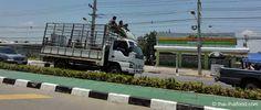 Mitfahrer auf eiem LKW Thailand, Vehicles, Truck, Car, Vehicle, Taekook