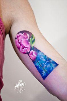 Lovely key hole tattoo...