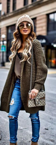 Cardigans are perfect for winter date night outfits!