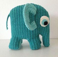 Eyes of Jenny: Lækker hæklet elefant DIY - Crochet toy. Crochet Gifts, Diy Crochet, Crochet Dolls, Crochet Baby, Crochet Quilt, Crochet Stitches, Crochet Patterns, Crochet Elephant, Crochet Animals