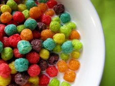 General Mills drops #artificial #colors from #breakfast #cereal http://www.organicauthority.com/no-more-artificial-colors-in-colorful-general-mills-breakfast-cereals/