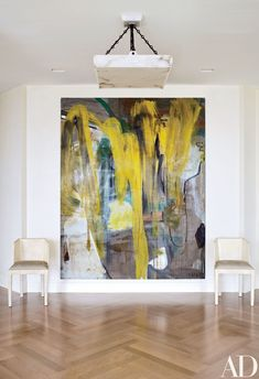Look Inside This Luminous Milwaukee Residence Foyer with vintage chairs, hand-made alabaster light, with focus on abstract painting by Albert Oehlen // Victoria Hagan Designs - Architectural Digest Painting Inspiration, Art Inspo, Design Inspiration, Casa Pop, Victoria Hagan, Modern Art, Contemporary Art, Art Decor, Decoration