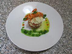 Millefeuiles  de  morue  sèche  malaxèe  avec  pommes  de terre ,homards et petit pois  sauce  americaine   Gino D'Aquino