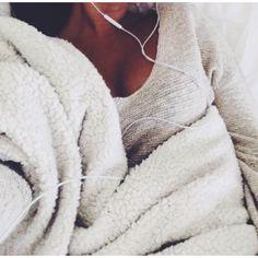 // É tão bom dormir com um som bem baixinho...uiiiiii.... bom demais.... rsrs... . --༺ღ༻ Sol Holme ༺ღ༻-- ❥❥