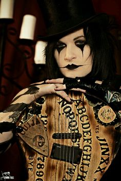 Does jinxx's makeup remind anyone else of a mime and gothic circus ringleader and a steam-punk put in one? :/