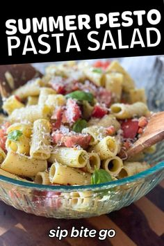 This summer pesto pasta salad is perfect to use up tomatoes from the garden and farmers market. | sipbitego.com #sipbitego #focaccia #focacciabread #Italian #focacciarecipe #breadrecipe #focaccia #focacciabreakfastsandwich #breakfastsandwich #eggs #bacon #brunch Basil Pesto Pasta, Pesto Pasta Salad, Easy Pasta Salad, Pasta Salad Italian, Tomato Pesto, Pasta Salad Recipes, How To Make Pesto, How To Cook Pasta, Side Dish Recipes