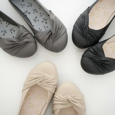 I luvvv flats! Casual Work Shoes, Oxford Flats, Grey Outfit, Me Too Shoes, Women's Shoes, Ballet Flats, Black Shoes, Dance Shoes, Beige