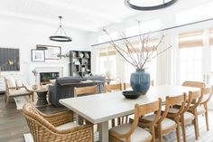 Kitchen Living Room Casual, bright, laid-back California Great Room (living dining space) - Tour the great room and dining room of our Calabasas Remodel! Kitchen Family Rooms, Living Room Kitchen, Living Rooms, Farmhouse Style Kitchen, Modern Farmhouse Kitchens, Farmhouse Interior, Family Room Design, Dining Room Design, Lounge Design