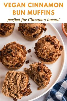 These Cinnabon Muffins have all the irresistible flavor of classic cinnamon-y sweet buns, just made a little healthier. Additionally, muffins are much easier to make! Healthy Vegan Breakfast, Healthy Muffin Recipes, Vegan Dessert Recipes, Delicious Vegan Recipes, Vegan Snacks, Healthy Treats, Raw Food Recipes, Brunch Recipes, Delicious Desserts