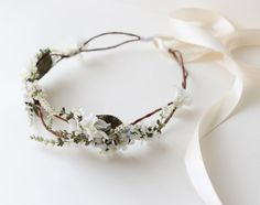 Woodland bridal hair crown, Flower crown, boho wedding head piece, white flower crown, Bridal headpiece - SONATA Ooooo this is gorgeous. Would definitely pair it with a veil for the ceremony. Wedding Veils, Boho Wedding, Dream Wedding, Wedding Day, Wedding Shoot, Trendy Wedding, White Flower Crown, Floral Crown, White Flowers
