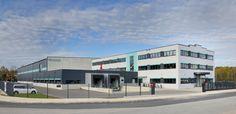 Laumer Komplettbau - Medi Kabel. Foto: Peters #laumer #beton #architekturbeton #architektur #produktionshalle #büro #architecture #architecturephotography #architecturelovers #concrete #concreteart