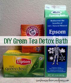Tea Detox Bath Green Tea Detox Bath: 1 cup Epsom salt, 1 cup baking soda and 2 bags green tea. (Click picture for optional ingredients)Green Tea Detox Bath: 1 cup Epsom salt, 1 cup baking soda and 2 bags green tea. (Click picture for optional ingredients) Green Tea Detox, Detox Tea, Green Teas, Green Tea Bath, Detox Soup, Vitamin C Pulver, Homemade Detox, E Mc2, Sore Muscles