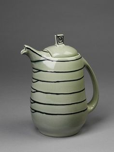 Earthenware coffee pot glazed with tube lined decoration, designed by Susie Cooper, made by Wood & Sons Ltd for Susie Cooper Pottery England. Museum Number to Rookwood Pottery, Ceramic Pottery, Ceramic Art, Ceramic Pitcher, Ceramic Teapots, Susie Cooper, Tea Service, Coffee Set, Chocolate Pots