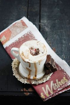 hot cocoa with peppermint and chocolate shavings