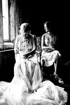 gabor erdelyi photo Photo Look, Your Photos, Wedding Photography, Fictional Characters, Art, Art Background, Kunst, Performing Arts, Wedding Photos