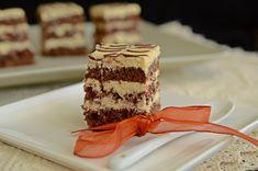 Prajitura cu blat de cacao si crema de mascarpone | Rețete Papa Bun Cake Recipes, Dessert Recipes, Food Cakes, Tiramisu, Caramel, Deserts, Chocolate, Ethnic Recipes, Mariana