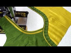 Hello Viewers Welcome To MMS DESIGNER. This video will show you how to create a beautiful and simple way MMS Latest Blouse Back Neck designs Easy Cutting and. Kurta Neck Design, Saree Blouse Neck Designs, Neckline Designs, Back Neck Designs, Sari Blouse, Patch Work Blouse Designs, Simple Blouse Designs, Stylish Blouse Design, Traditional Blouse Designs