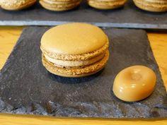 Macarons caramel beurre salé et ganache montée - YouTube Ganache Caramel, Macarons, Biscuits, Granola, Doughnut, Deserts, Food Porn, Bread, Make It Yourself