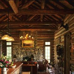 Cedar Planking Large Over Hang With Log Accents Dream Homes In The