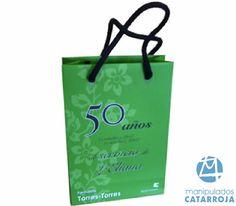 Bolsas de lujo impresas con refuerzo de cartón y asas de algodón.