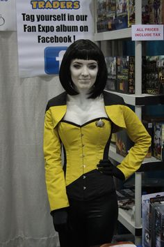 T'Leia Luna Cosplaying as Data at the Toy Traders Booth Vancouver, Toy, Punk, Cosplay, Style, Fashion, Moda, Stylus, Fasion