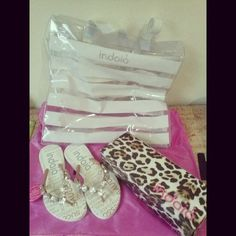 Vou desfilar com essa sandália e essa bolsa no reveillon! Obrigada @sandaliasindaia !