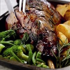 Lazy Lamb on BigOven: Slow cooked lamb dish, specially designed by New Zealand Lamb.  http://www.bigoven.com/recipe/172964/Lazy-Lamb