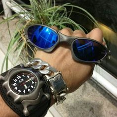 L£O® ... - Sale! Up to 75% OFF! Shop at Stylizio for women's and men's designer handbags, luxury sunglasses, watches, jewelry, purses, wallets, clothes, underwear